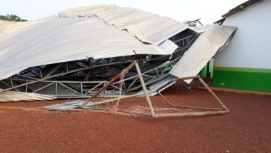 Foto de Temporal derruba a quadra esportiva e danifica escola em cidade do interior de Rondônia