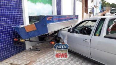 Photo of Motorista de saveiro com sintomas de embriaguez atinge barco em frente de empresa no Centro