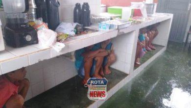 Photo of Crianças oram e choram após temporal destelhar escola em Cabixi/RO