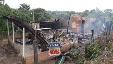 Photo of Residência em Colorado do Oeste é destruída por incêndio