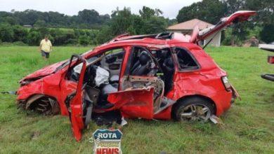 Photo of Urgente: casal fica ferido após capotamento na BR-364