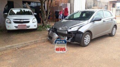 Photo of Motorista de táxi passa mal ao dar ré, atinge carro, derruba muro e invade residência no setor 06