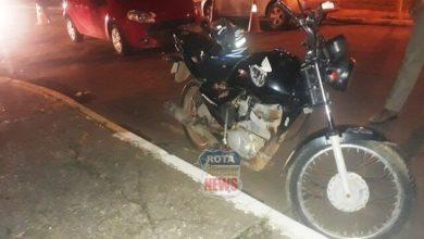 Foto de Motociclista sofre ferimentos após ser atingido por veículo no Centro
