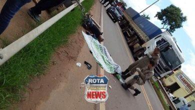 Foto de Tragédia: motociclista morre esmagado por carreta em acidente na BR-364