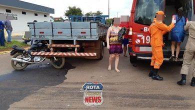 Foto de Motociclista sai apenas com escoriações após atingir caminhão em Vilhena