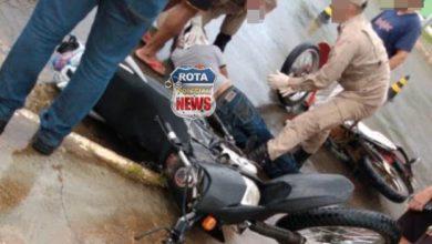 Foto de Duas pessoas ficam feridas após acidente entre motocicletas no Centro