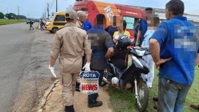 Foto de Mulher sofre ferimentos após atingir veículo