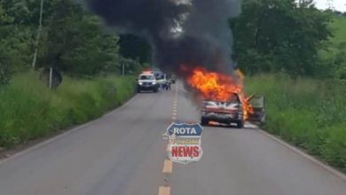 Photo of Veículo é consumido por incêndio na BR-435 próximo de Colorado do Oeste