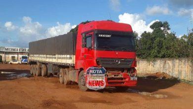 Photo of Colisão entre carreta e caminhonete é registrada na BR-364