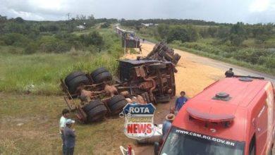Foto de Urgente: colisão entre carretas próximo ao rio Piracolino na BR-364 mobiliza bombeiros