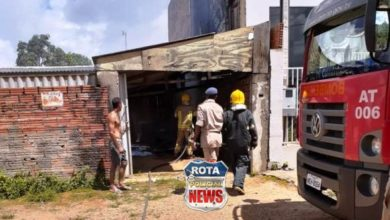 Photo of Princípio de incêndio em residência de madeira mobiliza bombeiros no setor 27 em Vilhena