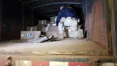Foto de PRF apreende carga de cigarros avaliada em mais de oitocentos mil reais
