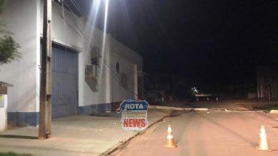 Photo of Caminhão que transportava trator derruba 05 postes de energia em Cerejeiras