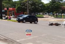 Photo of Carro e motocicleta colidem no Centro e uma pessoa fica ferida