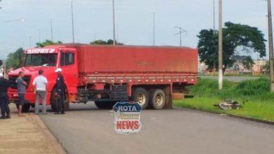 Photo of Caminhão e motocicleta se envolvem em acidente
