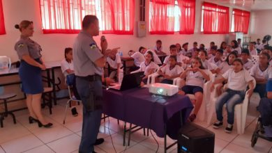 Photo of Policiais militares do 3°BPM realizam palestra na Escola Cecília Meireles em Vilhena