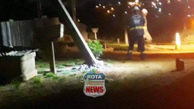 Photo of Veículo quebra poste e deixa parte de bairro sem energia em Colorado do Oeste