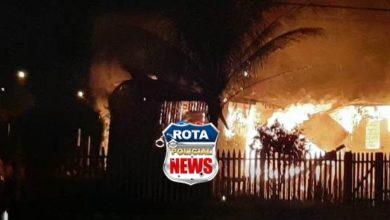 Photo of Residência é destruída por incêndio na BR-174 em Vilhena