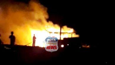 Photo of Bombeiros são chamados para combater incêndio em barracão no bairro União