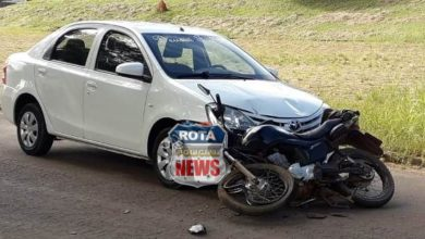 Photo of Carro e motocicleta colidem no Centro de Colorado do Oeste