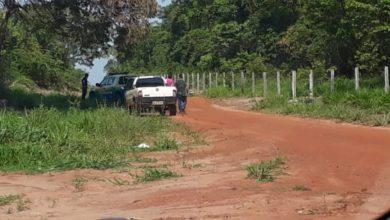 Foto de Polícia Militar de Chupinguaia prende homem de 26 anos por porte ilegal de armas