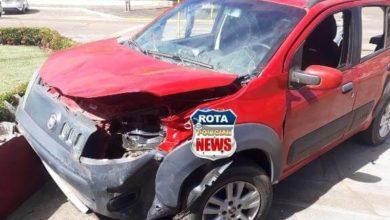 Photo of Após colisão entre veículos, um deles atinge mureta do quartel do Corpo de Bombeiros no Centro