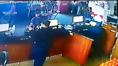 Photo of Colorado do Oeste: câmeras flagram rapaz furtando celular em mêcanica de motos