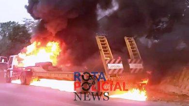 Foto de Carreta é destruída por incêndio na BR-435 próximo de Colorado do Oeste