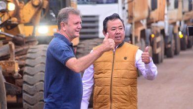 Foto de Luizinho Goebel e prefeito de Vilhena apresentam demandas no DER e diretor-adjunto garante usina de asfalto e obras no aeroporto