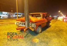 Foto de Motorista de camionete perde o controle e atinge poste em rotatória da BR-364 em Vilhena