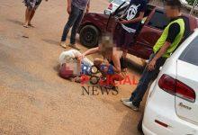 Foto de Colisão entre carros deixa uma pessoa ferida